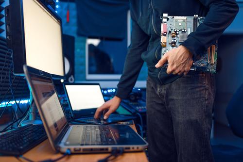 Computer Engineer Holds Pc Motherboard - RGM Tecnologia da Informação